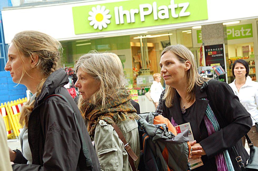11_LeseZeichen2009_Aufhaengen